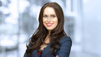 Stefanie Pereira 律师