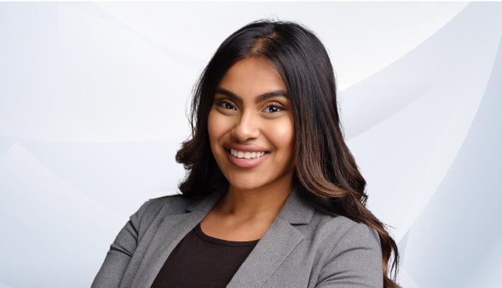 Lamisa Chaudhury律师
